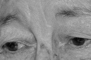 olhos_tristes_-_idosa1